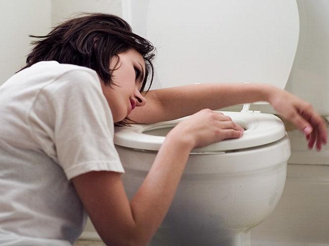 Nikdy nepoužívajte toaletu po zaočkovaných !!! Hrozí vám toto!!!